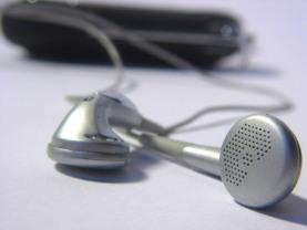 listen-1552061