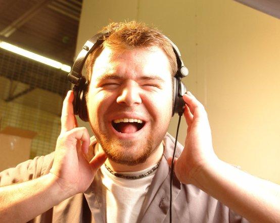 headphone-guy-1422772